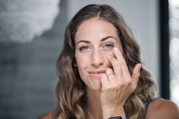Reinigungsprodukte für Kontaktlinsen